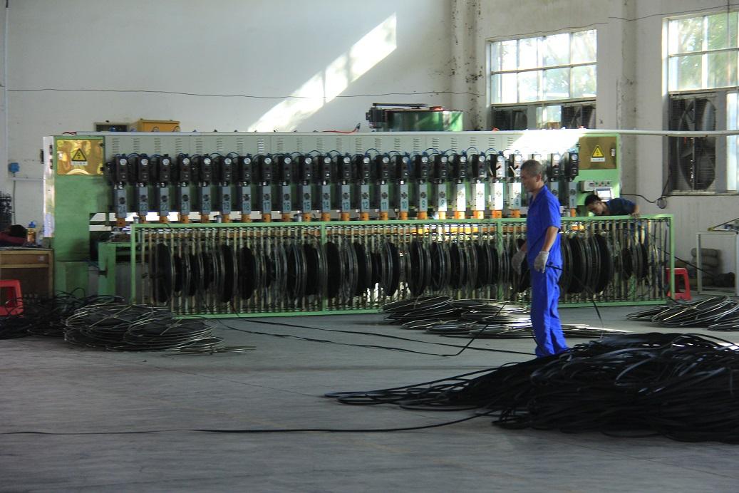 土工格栅生产设备